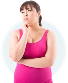 産後太りで悩む女性